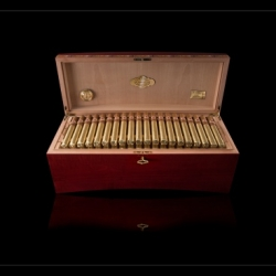 Romeo y Julieta Grand Churchill Humidor